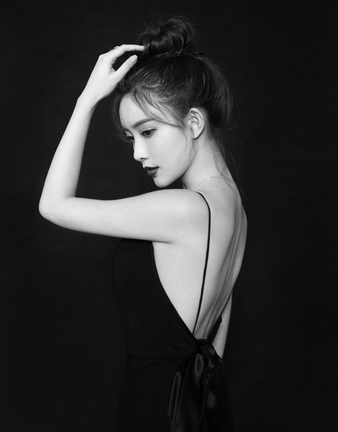 """孟子义年末薄荷系少女写真曝光 时尚清新盐甜皆""""很孟"""""""