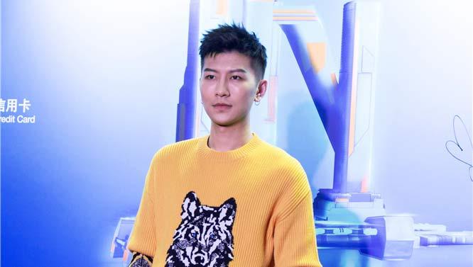 音乐人周品出席2018搜狗IN全景·臻选礼盛典