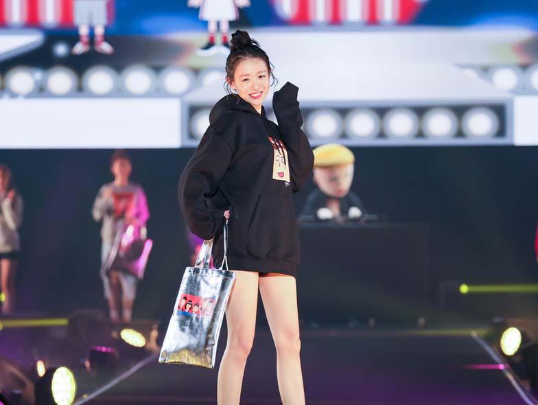 刘木子开年首秀受邀出席2019TGC时尚盛典