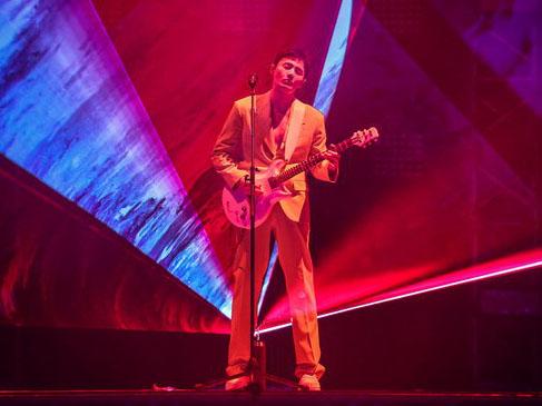 李荣浩巡回演唱会在北京凯迪拉克中心唱响