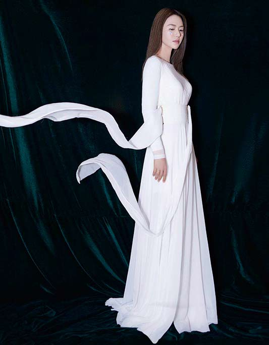 谭维维白色长裙LOOK 仙美飘逸