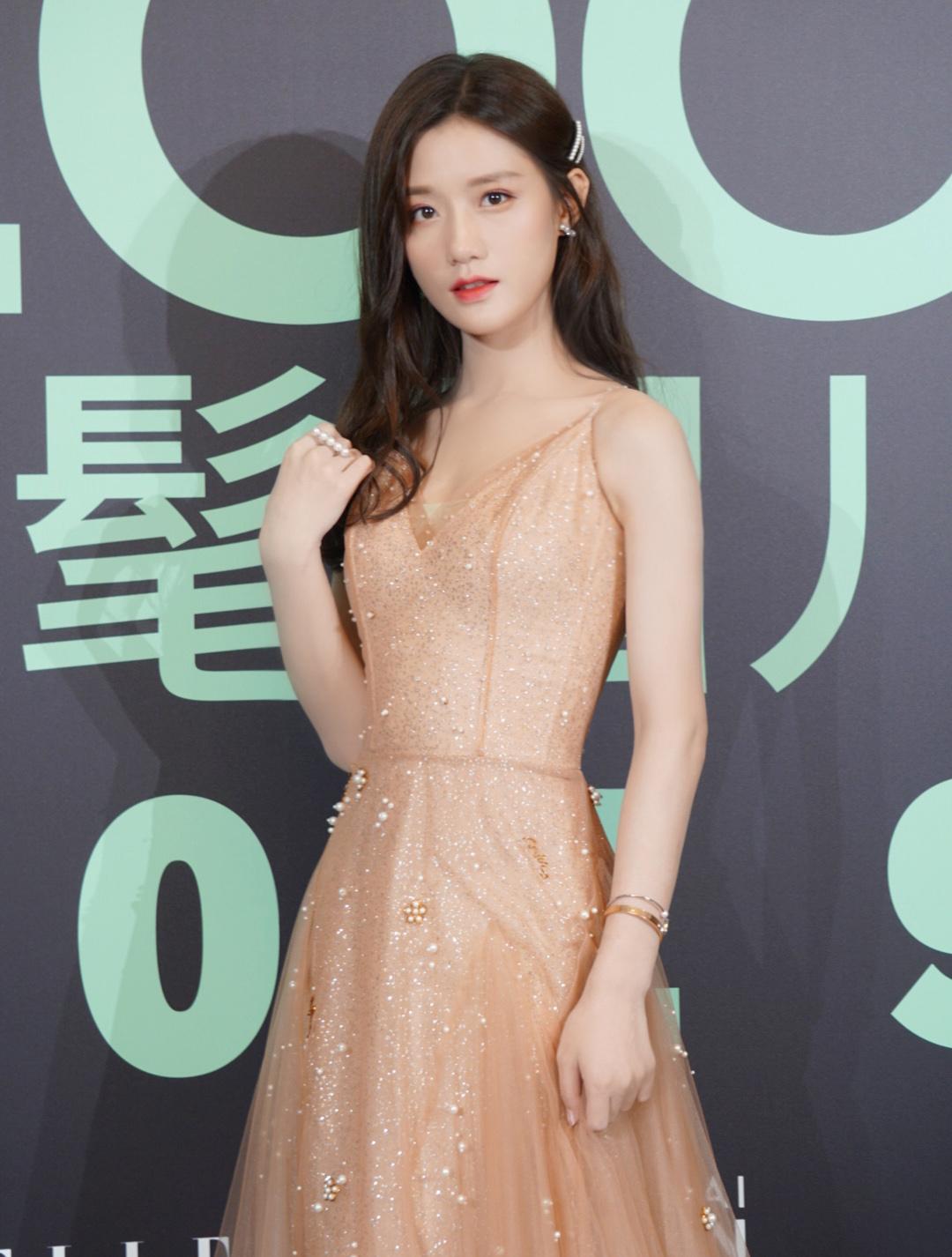陈意涵Estelle出席上海时髦之夜 纯净气质备受瞩目