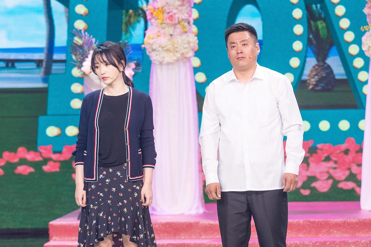 柳岩彩排《跨界喜剧王》 与宋晓峰演绎爆笑情感纠葛