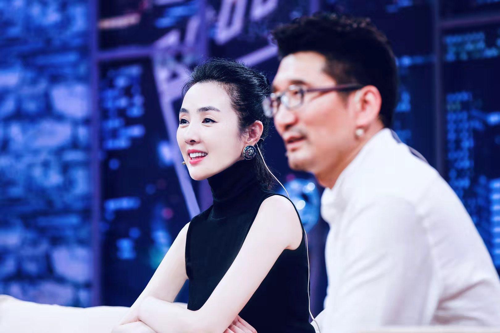 """姜宏波《群演公社》观察席 忆初次进组像""""腌咸菜"""""""