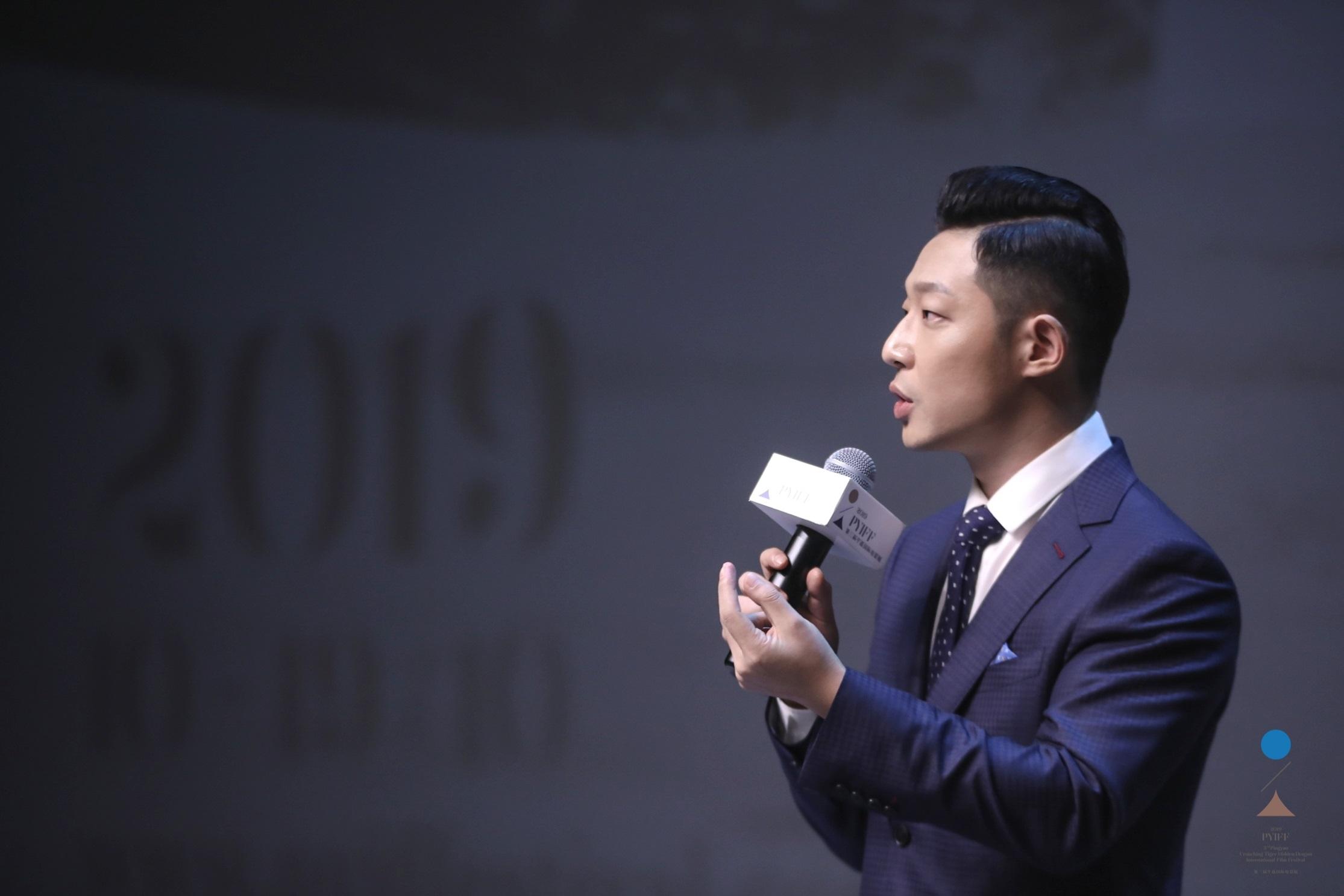 韩立主演《建筑师》平遥国际电影展首映