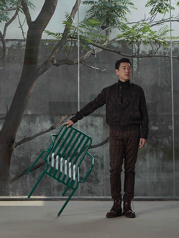 王耀庆时装大片释出 精英男士魅力尽显