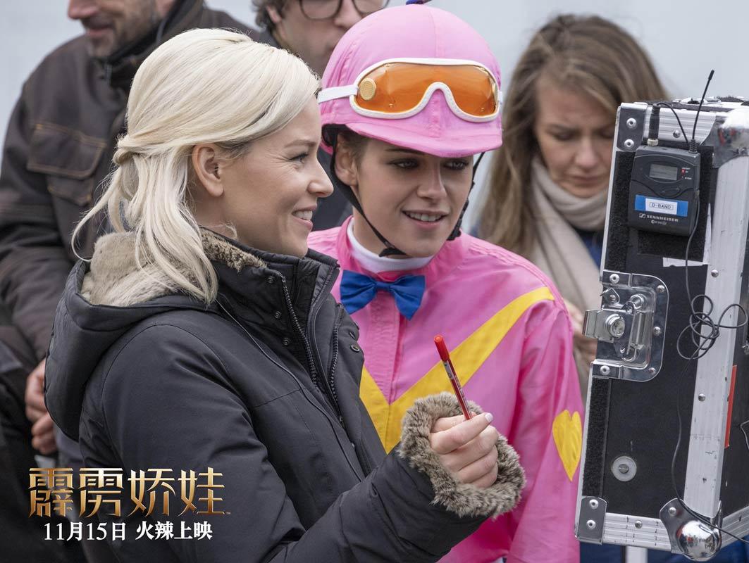 《霹雳娇娃》解锁全球首支幕后特辑 全国预售开启