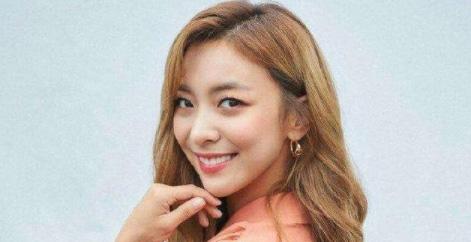 前f(x)成员Luna宣布退出音乐剧《妈妈咪呀!》