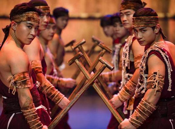 大型杂技剧《醒狮传奇》于沧州大剧院落幕