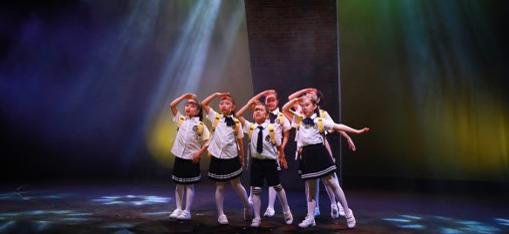 沪语童谣改编音乐剧《摇啊摇》今日起上海首演