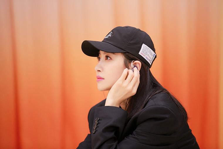 宋茜女团舞教学开课 化身严格教练暖心指导