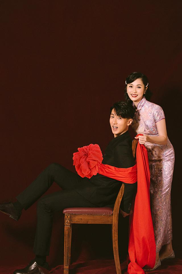 《婚前21天》吴尊林丽吟巧拍居家DIY婚纱照