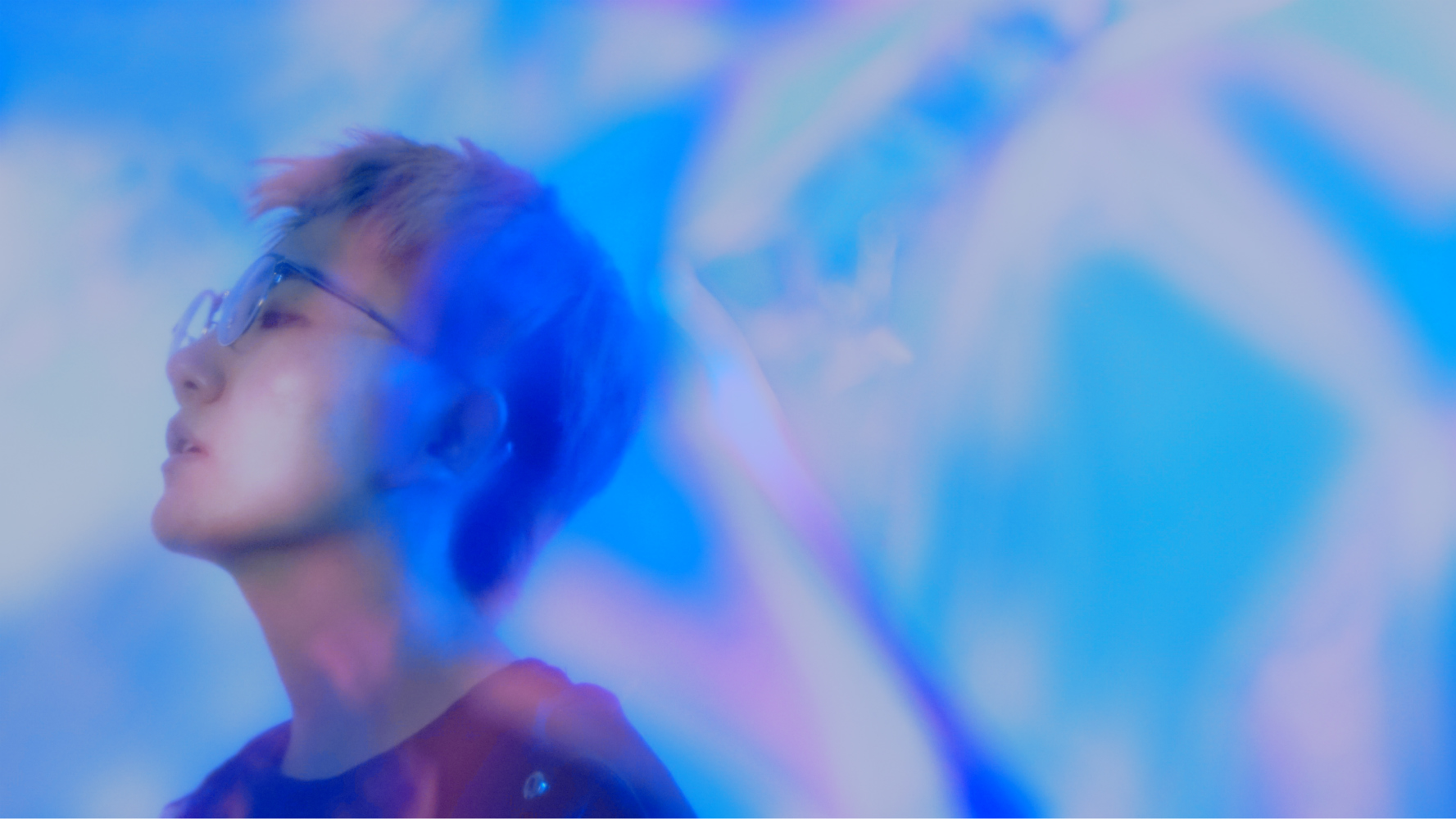 姚兰单曲《21:30的剧场》上线 诠释舞女百态人生