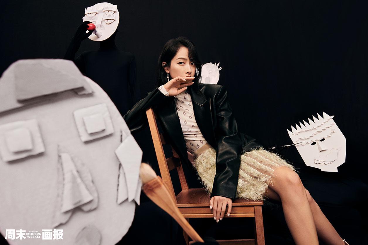 宋茜杂志封面大片释放GirlCrush时尚魅力