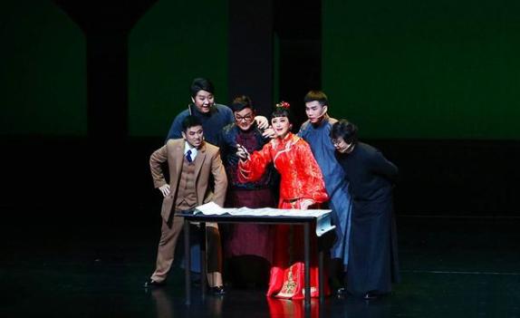 大型原创黄梅戏音乐剧《霜天红烛》成功首演