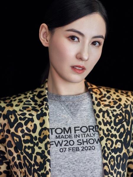 张柏芝复古豹纹西装 妆容精致又美又飒