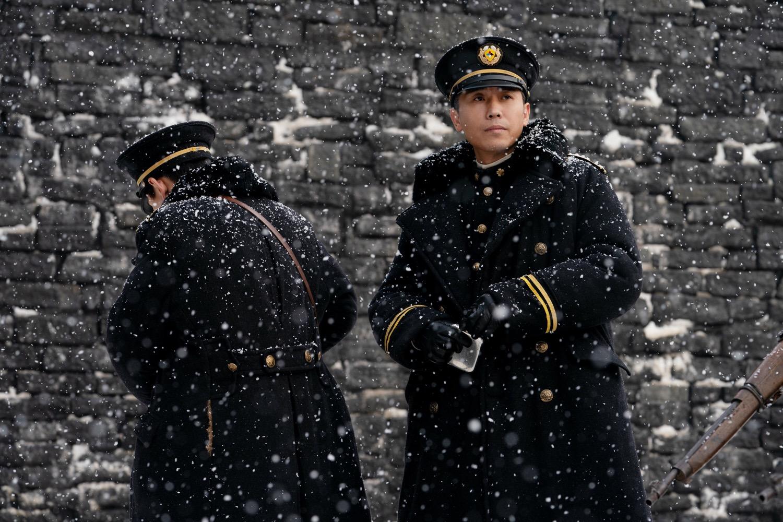 《悬崖之上》李乃文高能诠释最强反派